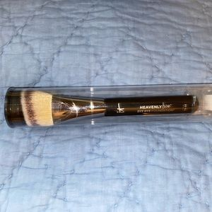 It Cosmetics Heavenly Luxe No. 22 Brush